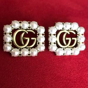 GUCCI authentic 100% earnings
